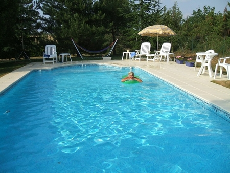 Holiday Cottage, Private Gardens and Heated Pool, Nr Cahors, Lot, France / Ecurie Ecosse