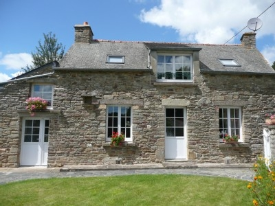 Holiday Cottages to rent in Rochefort en terre, near Saint-Jacut-les-Pins / INDOOR POOL
