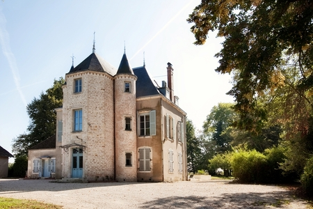 Fantastic Burgundy Chateau Rental between Beaune and Macon / Château de Lans