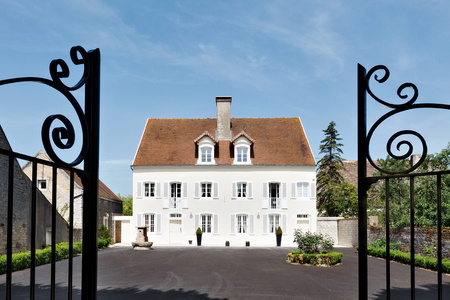 Lovely Holiday Chateau in Saunieres, Burgundy, France /  Villa Saunieres