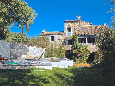 4 bedroom Holiday Home with Pool in Pompignan, Gard, France