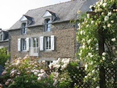 Holiday House to Rent in Pleudihen-sur-Rance, Brittany, France