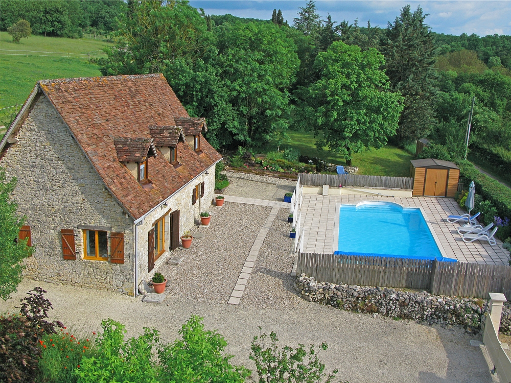 Holiday Cottage With Private Gardens and Heated Pool, Lot, France / La Grange