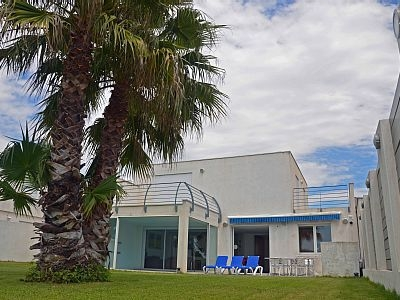 Modern Holiday Villa with Heated Indoor Pool in La Grande-Motte, Herault