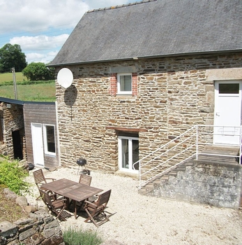 Self Catering Holiday Cottage in Fougerolles du Plessis, Mayenne, France with free unlimited Wii