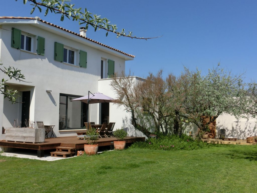 Holiday Villa by the Sea, in a quiet private street, Frontignan, Herault, France