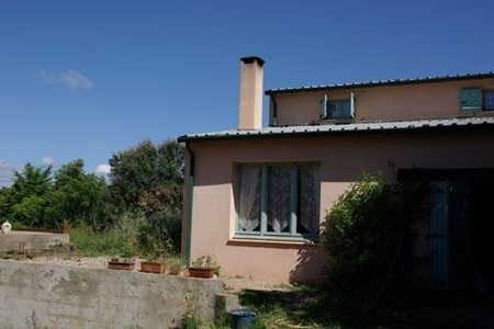 Detached Holiday Cottage to rent in Bedarieux, Herault, France