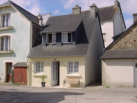 Holiday Cottage Rental in Dineault, Finistere, Brittany, France