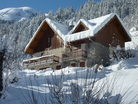 5 bedroom Holiday Chalet Rental in St Jean d`Arves