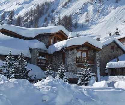 Self Catering Holiday Apartments in Val d`Isere Centre, Savoie, France / Apartment Marie