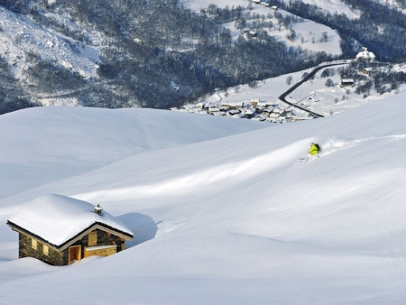 Holiday  Chalets Cocoon in the 3 Valleys ski area - private sauna and hot tub, Savoie, France