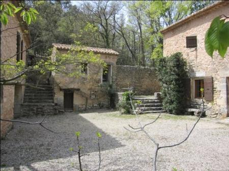 Large Vaucluse Farmhouse with Garden In Luberon, Provence, France