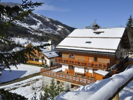 2 bedroom Holiday Apartment in Meribel Centre, Three Valleys, French Alps /  Foot of the Slopes