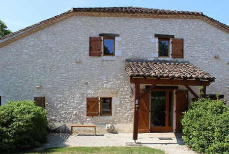 Lot et Garonne Holiday Cottage to Rent with covered terrace, France / Le Vigne