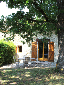 Lot et Garonne Holiday Cottage Rental with Private Garden, France / Le Chene