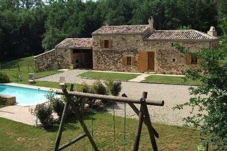 Holiday cottage with private pool in the heart of the forest of Biron,France