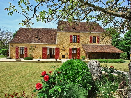 4**** Dordogne Holiday Cottage with Heated Pool, between Sarlat and Rocamadour, France