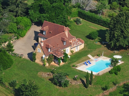 17 Century Holiday Farmhouse with Private Pool in Issac, Dordogne, France