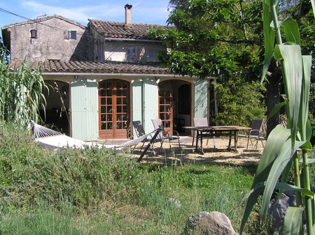 Holiday Cottage with Pool Near Nimes, Gard, Languedoc, France / Bergerie Cottage
