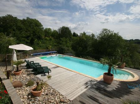 Sarlat Holiday House with Private Heated Pool and Superb Views