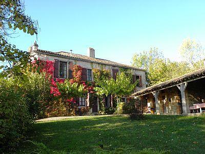 Elegant Holiday House in Cordes sur Ciel, Tarn, France