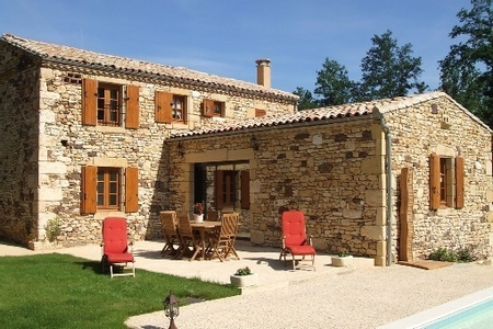 4 bedroom Holiday villa with Private Pool in Perigord Pourpre, Dordogne, France