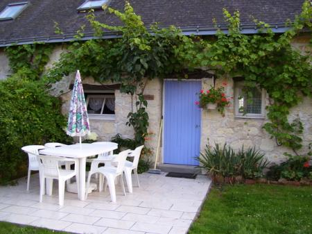 Beautifully Renovated Holiday Rental Gites with Pool in Allonnes, Near Saumur, France