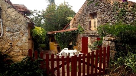 3 Bedroom Holiday House halfway between Sarlat and Bergerac, France
