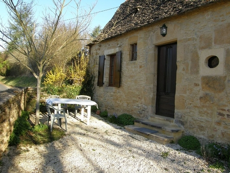 2 bedroom Dordogne Holiday Rental Cottage in Perigord Noir, near Sarlat and Montignac, France