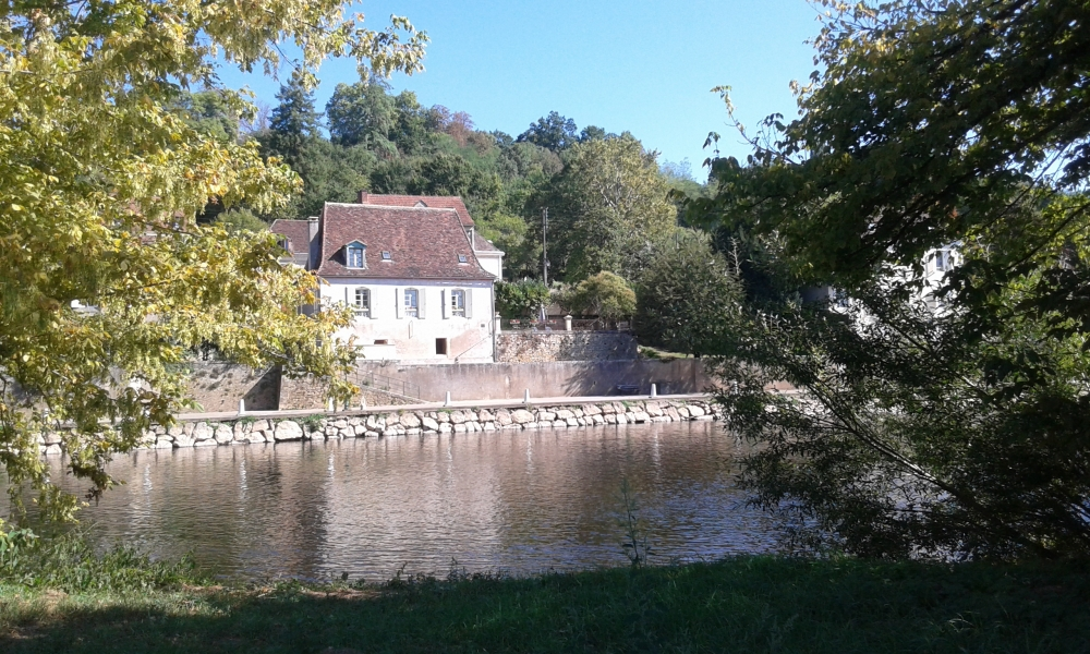 Vezere Vue - superb one bedroomed detached property minutes from the town of Le Bugue