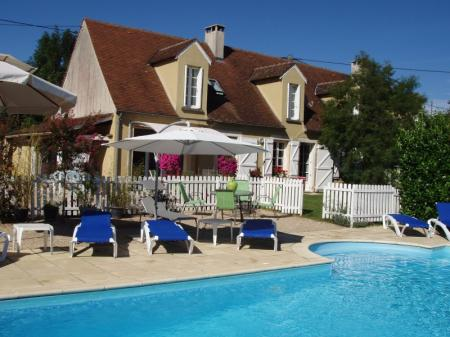 Bed and Breakfast Plus Holiday Gite with Beautiful Pool in Lot, France