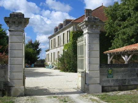 Luxury Bed and Breakfast in Chaunac, Charente-Maritime, France