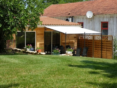 3 Bedroom Holiday Gite Rental in Dordogne, between Sarlat and Bergerac, France/  Les Figuiers