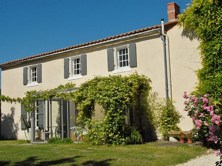 Farmhouse in Ste Christine, Near Fontenay le Comte, Vendee, France