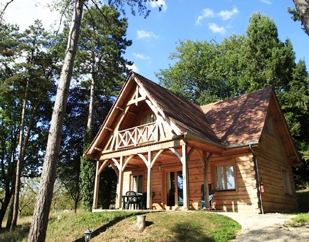 Charming Holiday Chalet timber house, with heated pool, Sarlat-la-Canéda,Dordogne France
