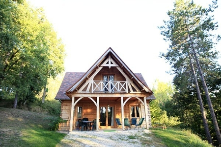Holiday Timber Chalet for rent, with heated pool -Sarlat-la-Canéda, Dordogne, France