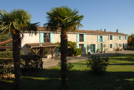 3 bed Gite in beautiful grounds with stunning views & large Pool, Nr Carcassonne - Les Cypres