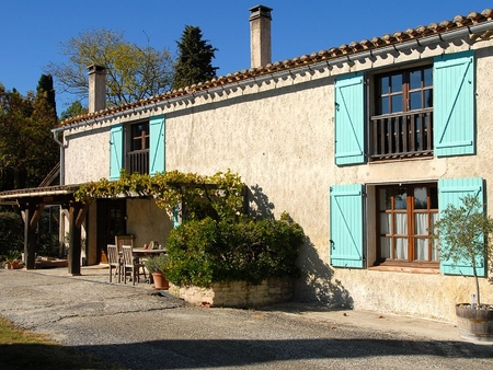4 bed Gite in beautiful grounds with stunning views & large Pool, Nr Carcassonne -  Les Acacias