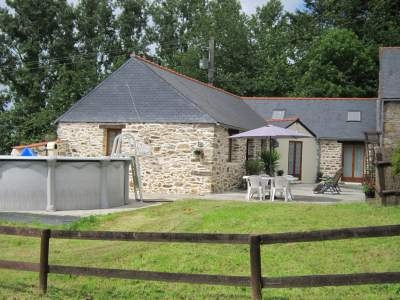 Spacious Cottage with Private Pool, Pedernec, France - BBQ, Patio, Parking and Gardens