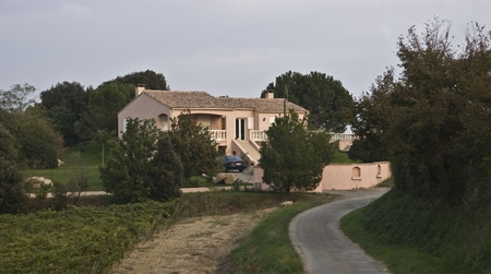 Aude Holiday Villa with Heated Pool in Preixan, near Carcassonne, France