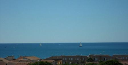 Peaceful Holiday Apartment Rental with Terrace and Sea View, Narbonne, France