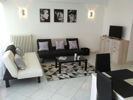 Holiday Apartment for Rental in Cannes, France - Cannes Croisette Palmbeach