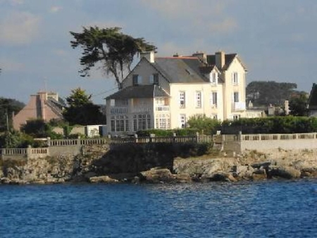 Large Oceanfront house  in Porspoder, Brittany, France . Outstanding location and panorama