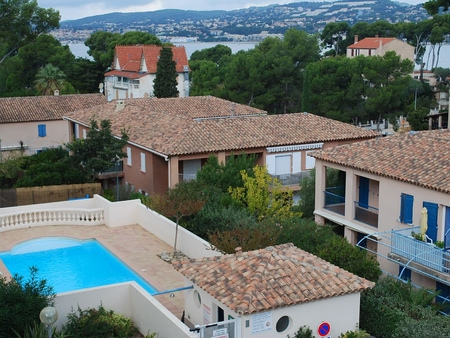 3 Bedroom Sanary-sur-Mer Holiday Rental Apartment with Pool