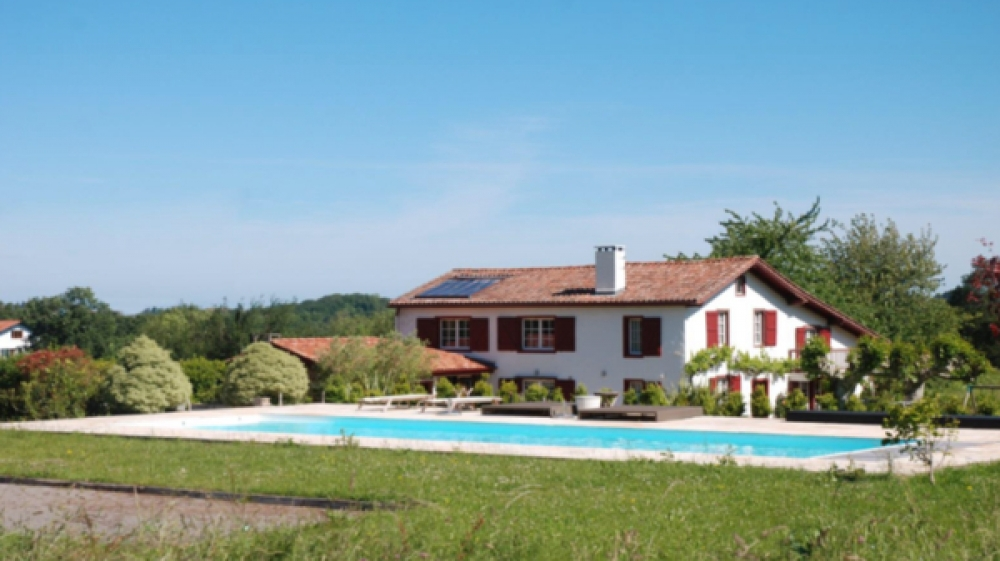 House with Swimming pool and Amazing views, Aquitaine