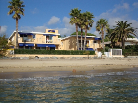 Beachfront Holiday Apartment Rivazur Beach in Cavalaire-sur-Mer, Gulf of Saint Tropez, France