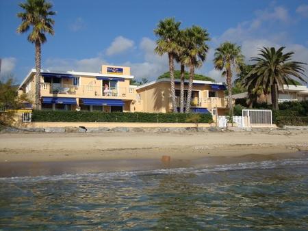 Beachfront Holiday Apartment Rivazur Beach in Cavalaire-sur-Mer, Gulf of Saint Tropez, France