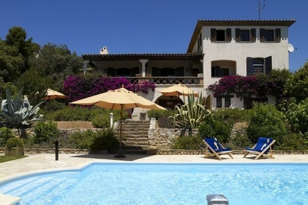 Private Holiday Apartment with Big Garden and Large Pool, La Croix-Valmer, Cote d`Azur, France