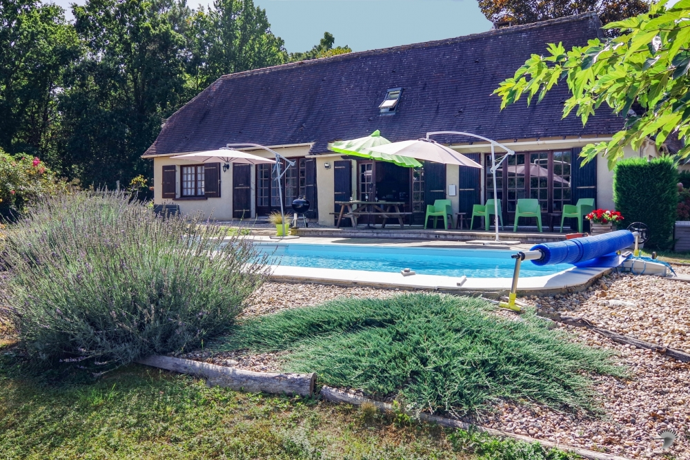 Private Rural Holiday Gite Nr Perigueux - An Oasis of calm in the Dordogne, France