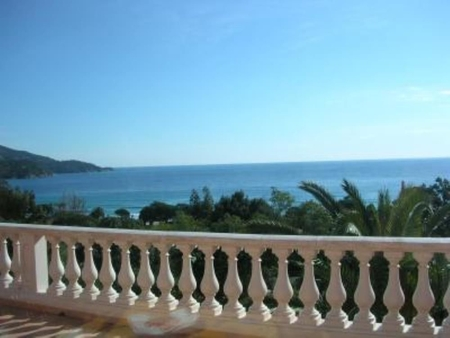 Lovely Holiday Apartment in a Luxury Villa, Sea Views - Le Lavandou, France
